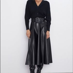NWT zara faux leather skirt with belt